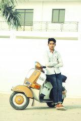 Dazzlerr - SiddiQui Model Delhi