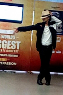 Vipin Singh Rawat - Dancer in Ghaziabad   www.dazzlerr.com