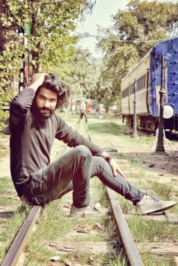 Dazzlerr - Deepak Viyan Paliwal Model Delhi