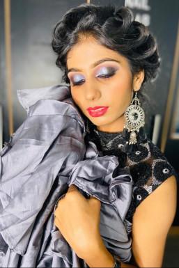 Shambhavi Gupta - Makeup Artist in Kanpur | www.dazzlerr.com