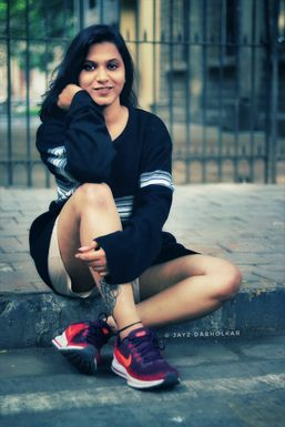 Aarti Aher - Model in Pune | www.dazzlerr.com