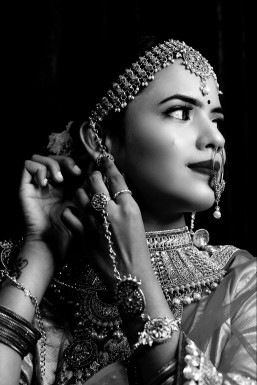Sakshi Misal Model Pune
