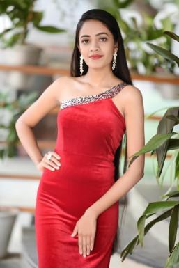 Dazzlerr - Bhumika Rahi Model Bhopal