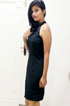 Tanu Saxena - Model in Delhi   www.dazzlerr.com