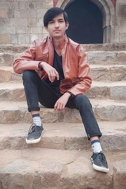 Raj Kumar - Model in Delhi   www.dazzlerr.com