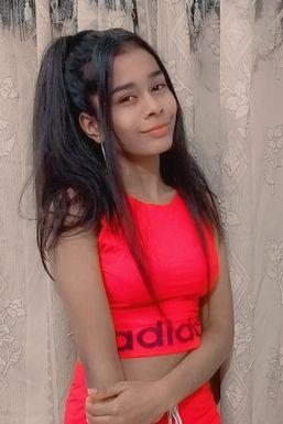 Dikshita Vaishnav - Model in  | www.dazzlerr.com