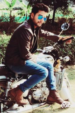 Dazzlerr - ANUJ PANDEY Model Delhi
