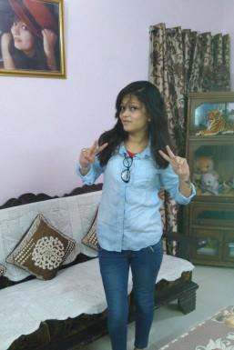 Dazzlerr - Charu Sharma Shonai Model Delhi