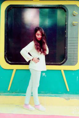 Dazzlerr - Priyanshi Khari Model Delhi