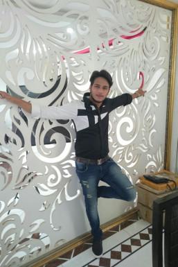 Dazzlerr - Aamir Khan Model Delhi