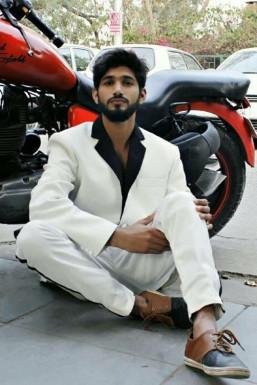 Dazzlerr - Mayank Gujjar Model Delhi