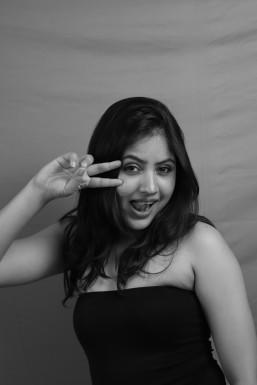 Suvi K - Actor in Pune | www.dazzlerr.com