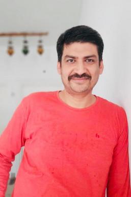 Sandip Mahajaan - Actor in Delhi | www.dazzlerr.com