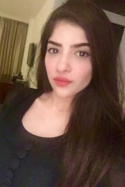Dazzlerr - Dharna Sharma Model Delhi