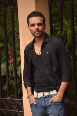 Manish Kumar Vimal - Actor in Faridabad | www.dazzlerr.com