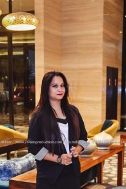 Swati Dixit - Modelling Choreographer in New Delhi | www.dazzlerr.com