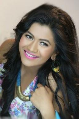 Dazzlerr - Akanksha Gupta Model Delhi