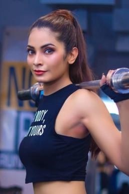Meenu Pallav - Model in Dehradun | www.dazzlerr.com