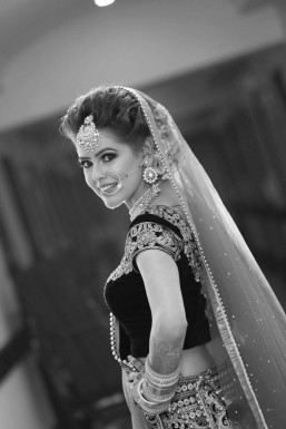 Dazzlerr - Tanya Model Delhi