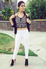 Dazzlerr - Karishma Model Delhi