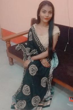 Shikha Gupta - Model in  | www.dazzlerr.com