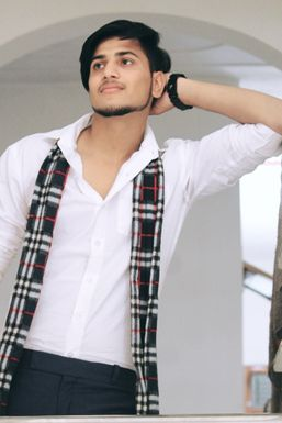 Himanshu Poniya - Model in Noida | www.dazzlerr.com