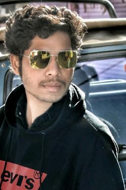 Varun Korote - Model in Gondiya | www.dazzlerr.com