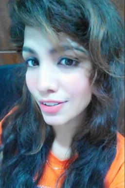 Dazzlerr - Pooja Verma Model Delhi