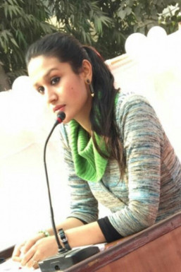 Karishma Singh - Model in Delhi | www.dazzlerr.com