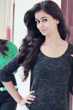 Dazzlerr - Kirti Dixit Model Delhi