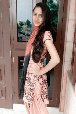 Dazzlerr - Savita Khatri Model Delhi