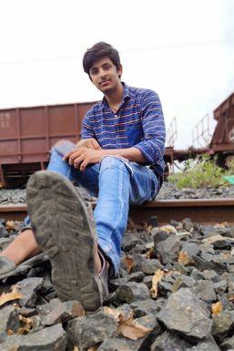 Anirudh Pal - Model in Chandrapur | www.dazzlerr.com
