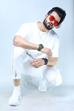 SANJAY D - Actor in Chandigarh | www.dazzlerr.com
