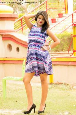 Dazzlerr - Akanksha Singh Model Delhi