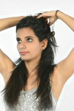 Tanisha - Model in Delhi | www.dazzlerr.com
