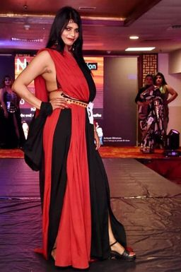 Shilpy Mittal - Model in Noida | www.dazzlerr.com