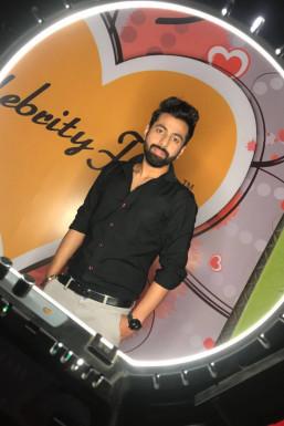 Varun Chawla - Actor in New Delhi | www.dazzlerr.com