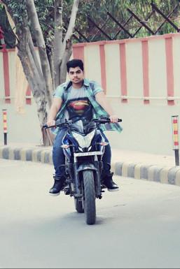 Dazzlerr - Aakash Kumar Model Delhi