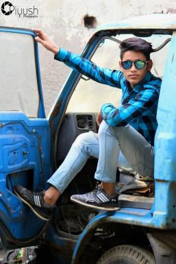 Sunny Singh - Model in New Delhi | www.dazzlerr.com