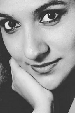 Shraddha Tapkire - Actor in Mumbai | www.dazzlerr.com