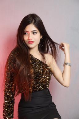 Honey Mahalwar - Model in Delhi | www.dazzlerr.com