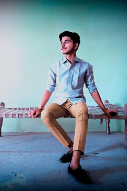 Sumit Mandloi - Model in Indore   www.dazzlerr.com