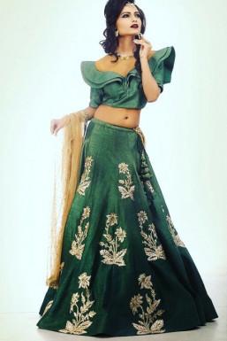 Dazzlerr - DeepShikha Model Delhi