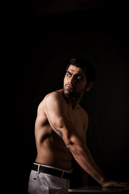 Aditya Tomer - Model in Bangalore | www.dazzlerr.com
