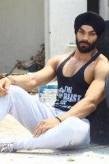 Dazzlerr - Mandeep Singh Model Delhi