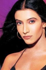 Dazzlerr - Maushmi Udeshi Model Navi Mumbai