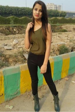 Dazzlerr - Kiran Mehra Model Delhi