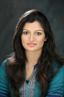Dazzlerr - Aakrshita Raghuvanshi Model Delhi