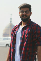 Dazzlerr - Kartikey Chandra Model Delhi