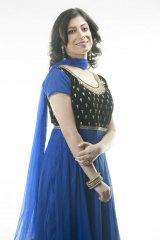 Dazzlerr - Reshmi Goppi Model Delhi